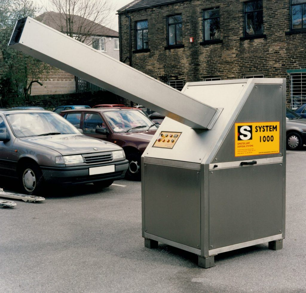 Simister lamp disposal system